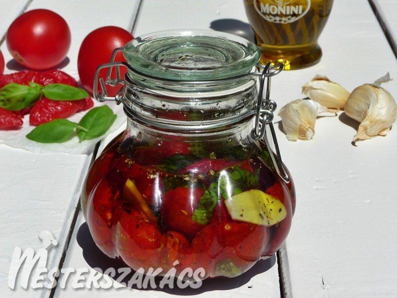 Aszalt paradicsom fűszeres olajban recept