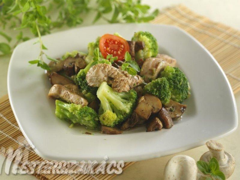 Brokkolis-gombás pulykaragu recept