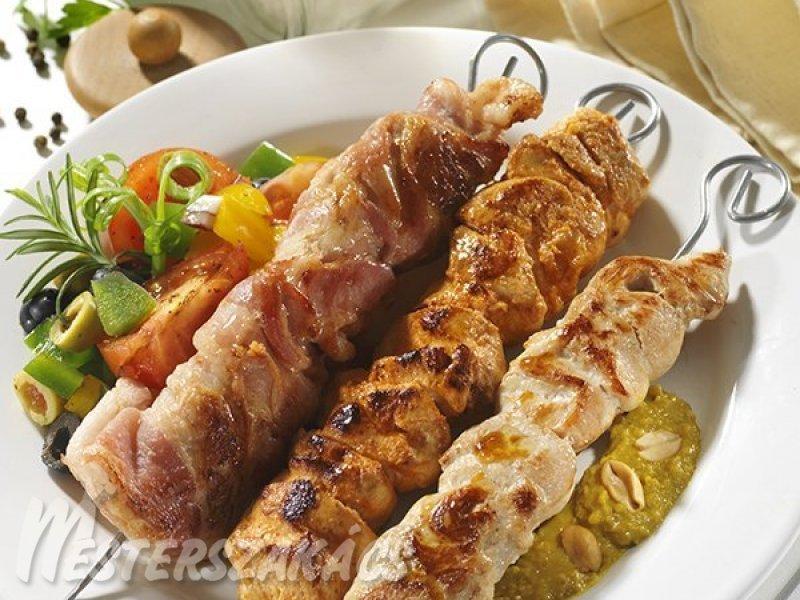 Csirkenyárs mogyorómártással recept