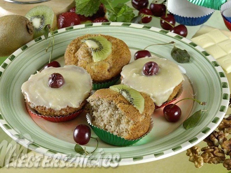 Diós, meggyes fehércsoki mázas muffin recept