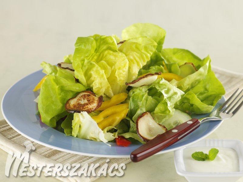 Friss saláta fekete retek chipssel recept