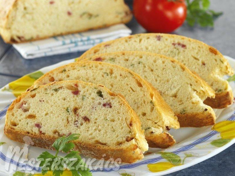 Fűszeres sajtos kalács recept