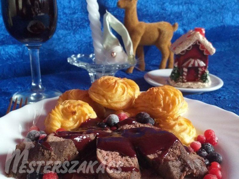 Hercegnő burgonya és sült őzgerinc karácsonyi gyümölcsös szósszal  recept