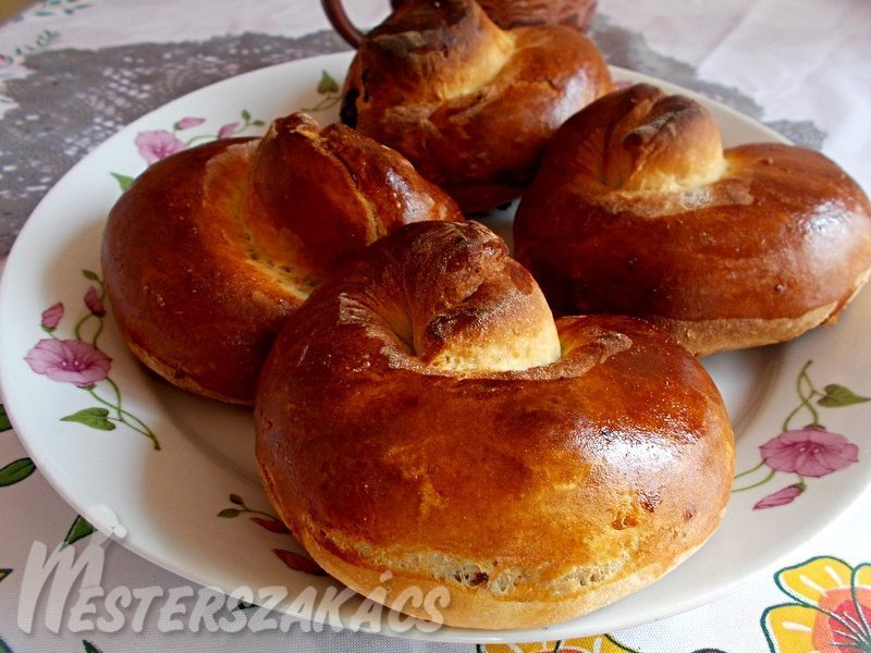 Kakaós-fahéjas briós recept