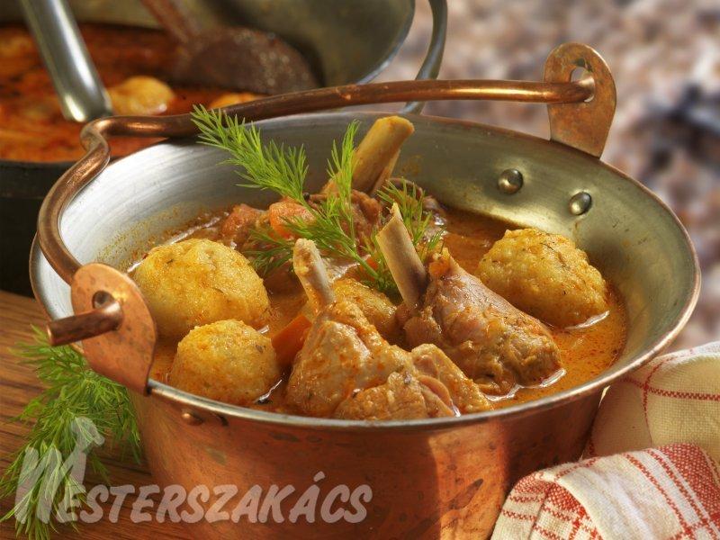 Kapros, gombás paprikáscsirke-leves túrógombóccal recept