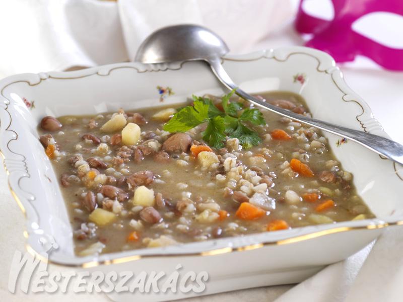 Karneváli minesztra leves  recept
