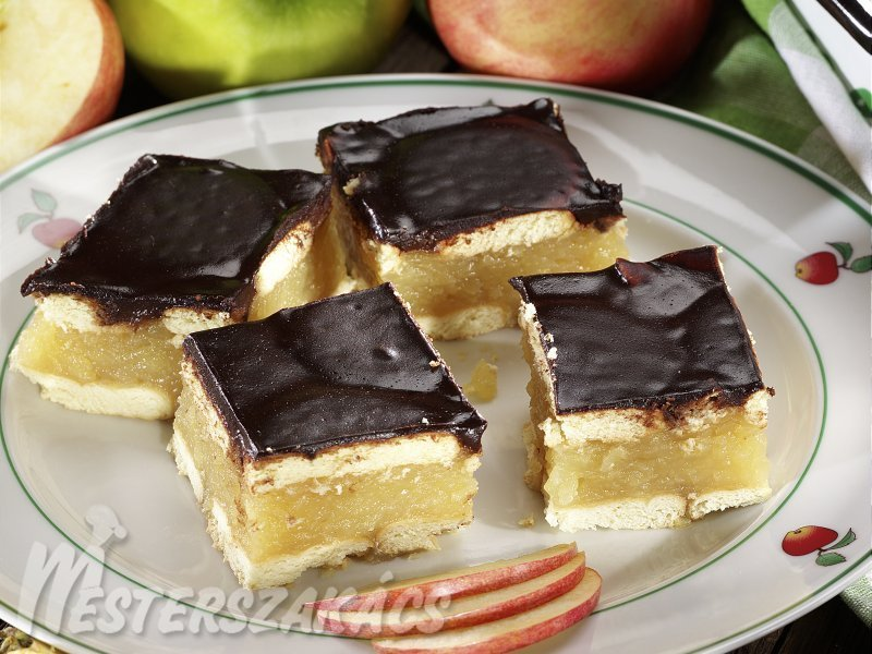 Kekszes-almás sütés nélkül recept