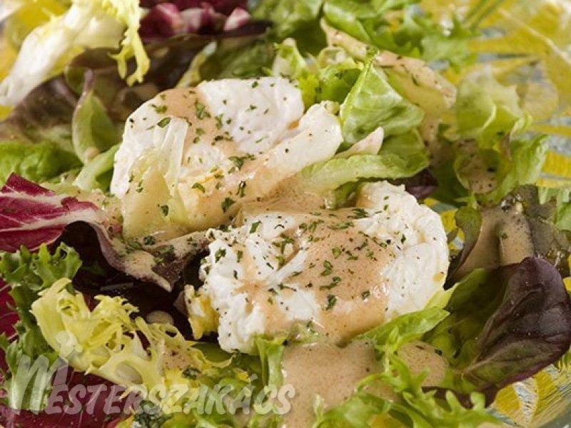 Kertészlány salátája bevert tojással recept