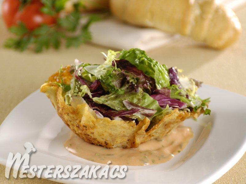 Leveles saláta sajtkosárban, paradicsomos-majonézes öntettel recept