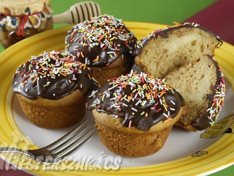 Mézes, vaníliapudinggal töltött muffin recept