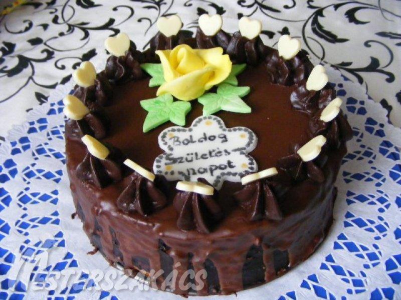 születésnapi torták recept Mogyorókrémes, születésnapi torta recept   Domján Mária  születésnapi torták recept