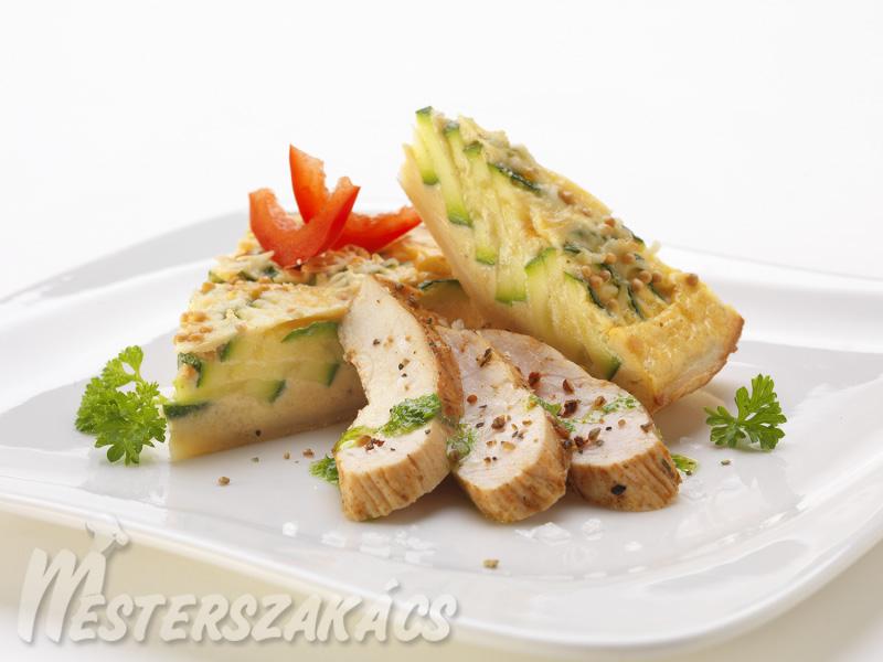 Petrezselymes cukkinitorta mediterrán csirkemellel recept