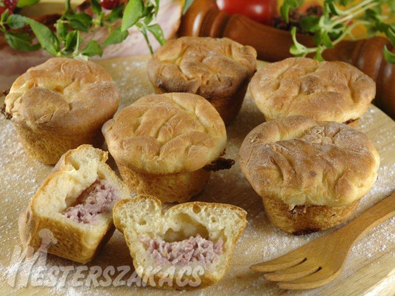 Sonkás juhtúróval töltött muffin recept