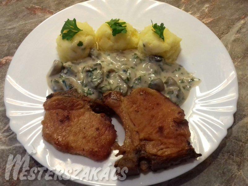 Sült sertésborda petrezselymes gombamártással és krumplipürével  recept