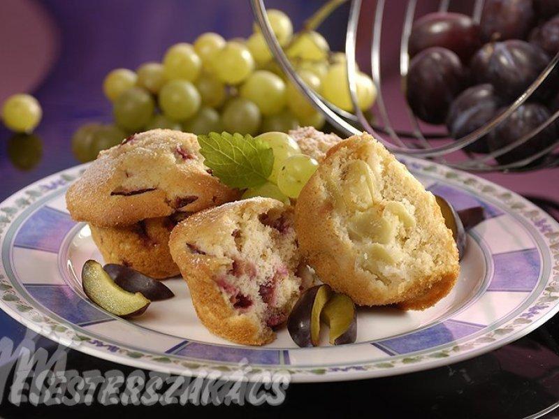 Szilvás, és szőlős muffin recept