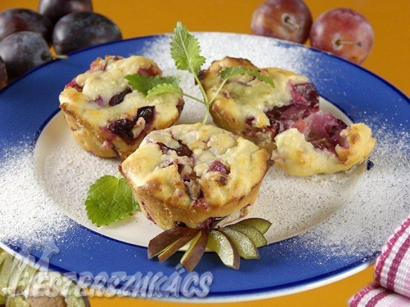 Szilvás, túrós muffin recept