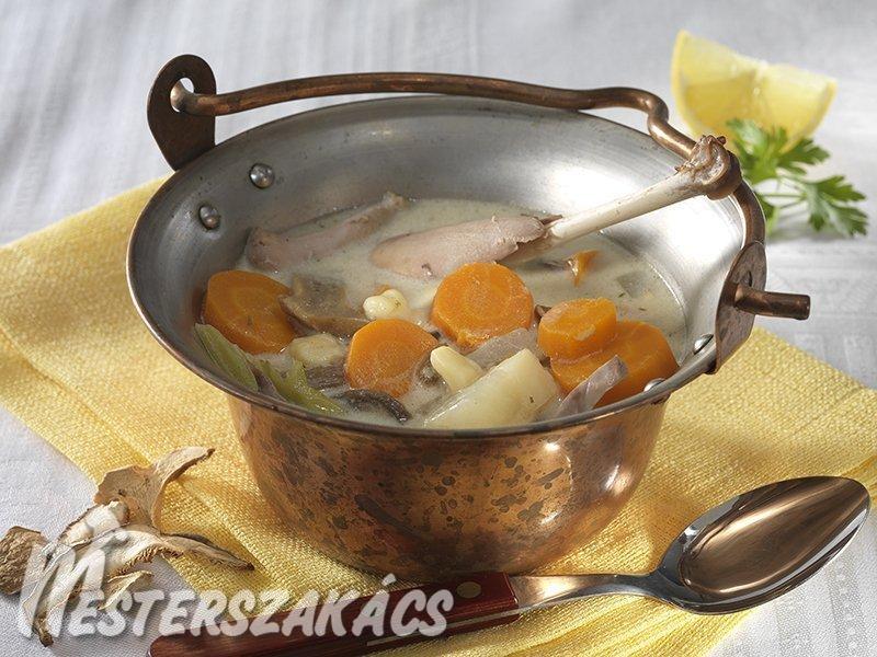 Tárkonyos fácánleves bográcsban recept