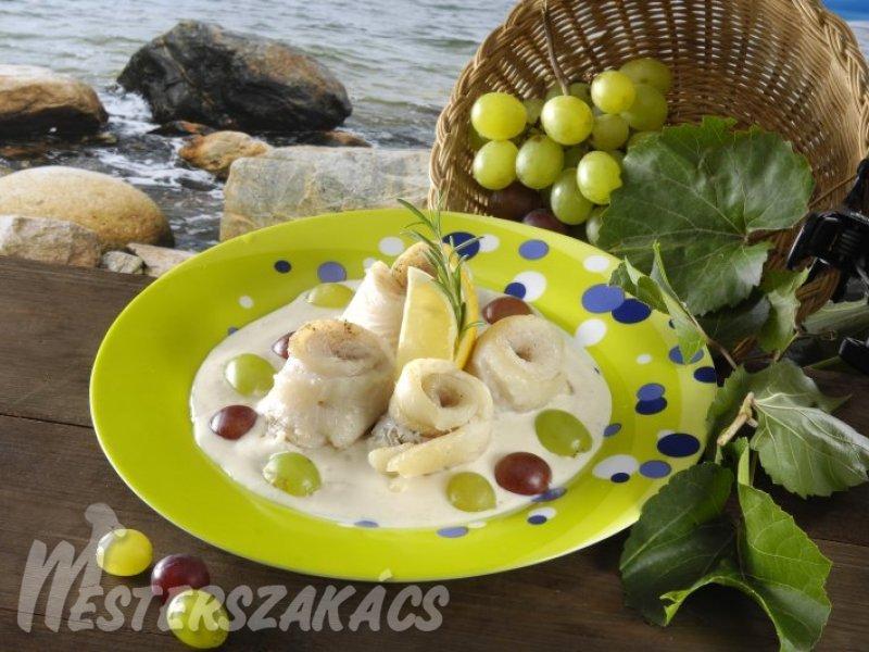 Tengerihal-tekercs furmintmártással recept