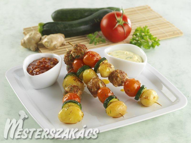 Zöldséges húsgombócnyársak, majonézes és ketchupos dippel recept